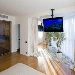 Фото 54: Потолочный кронштейн с телевизором