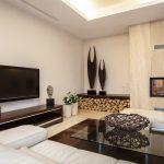 Фото 68: Расположение камина и телевизора на перпендикулярных стенах