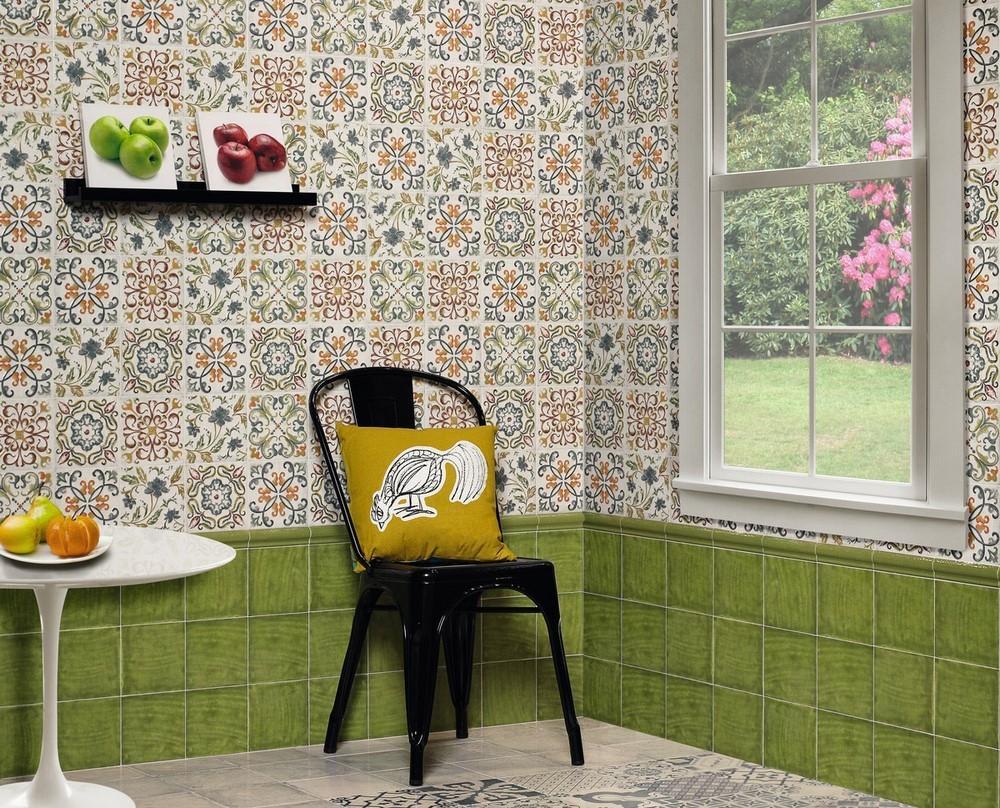 Стены на кухне из плитки