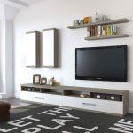Фото 7: Оформление интерьера с телевизором
