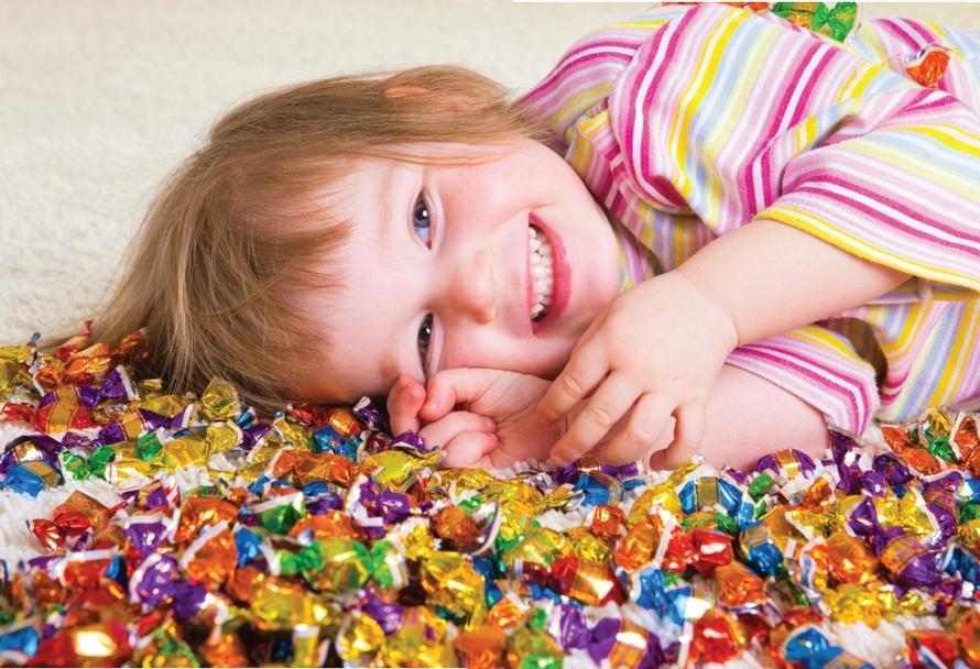 Дети и конфеты