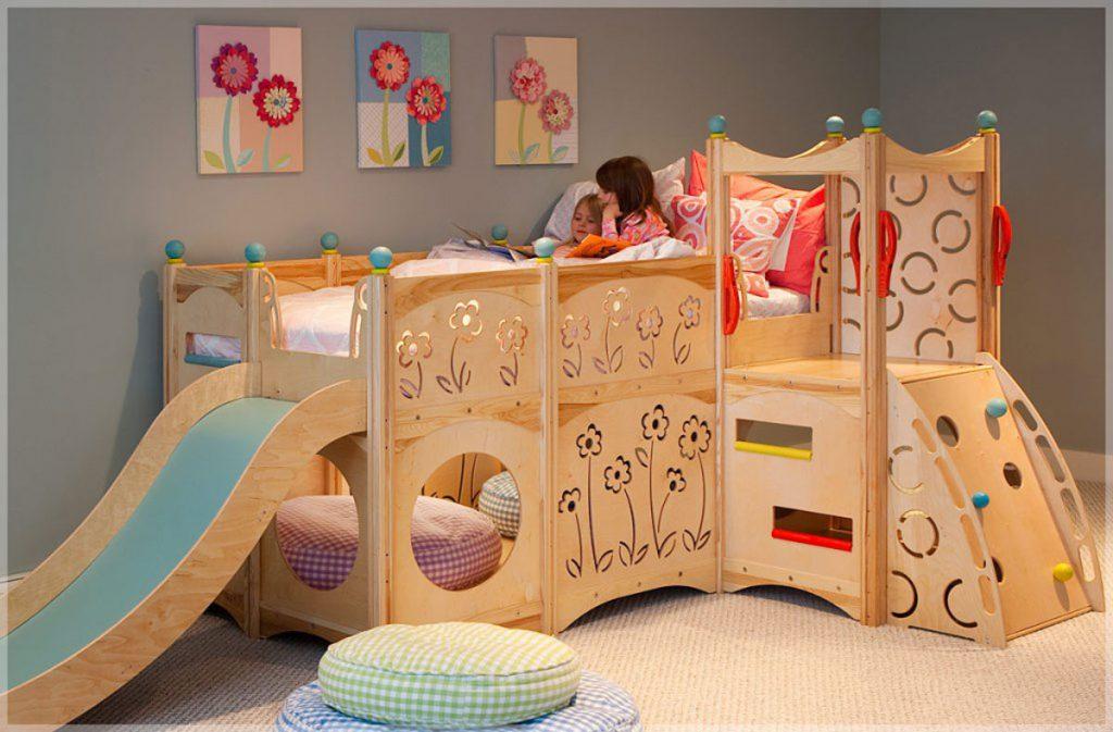Кровать-горка в детской