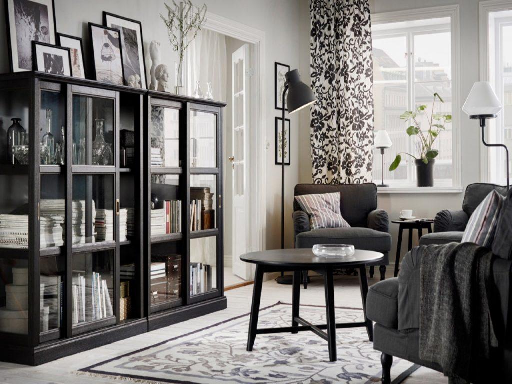 Черно-белый интерьер в гостиной