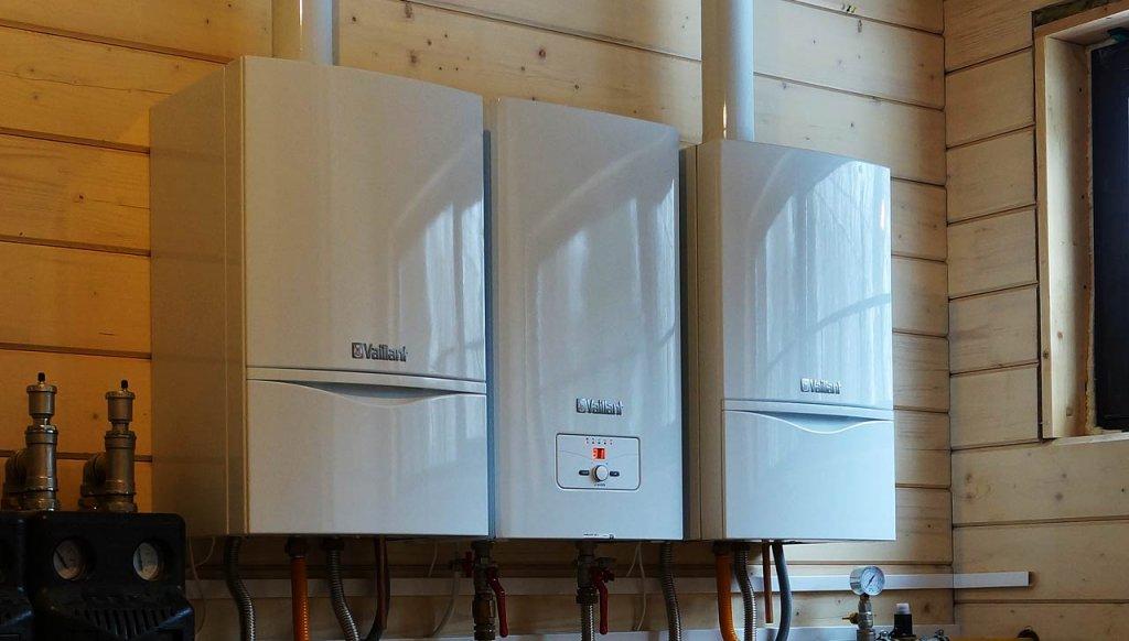 В зависимости от площади дома для системы отопления может потребоваться несколько электрических котлов