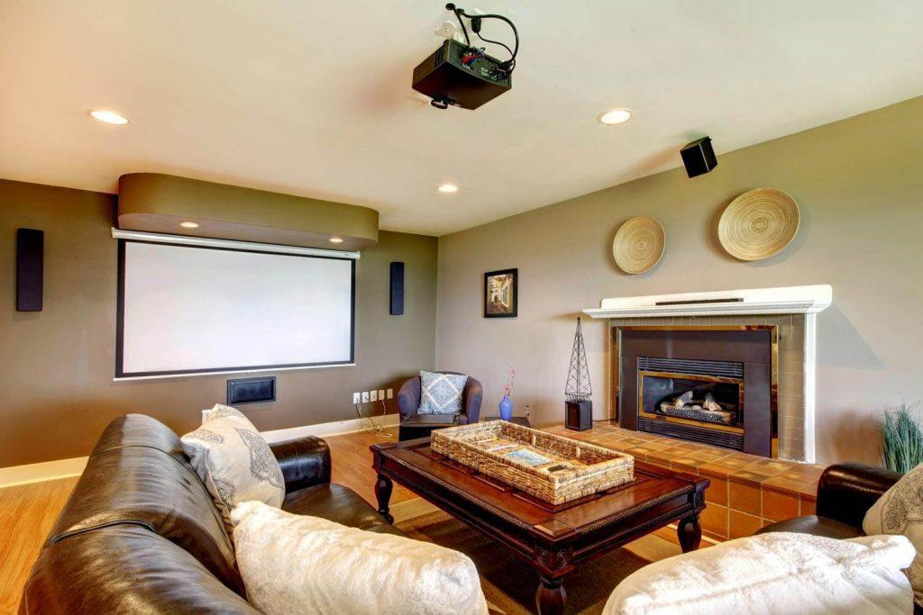 Комплексный проектор для домашнего кинотеатра