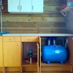 Фото 9: Установка насосной станции в кухне
