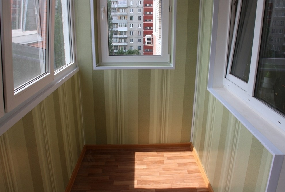 Обшивка балкона пластиком