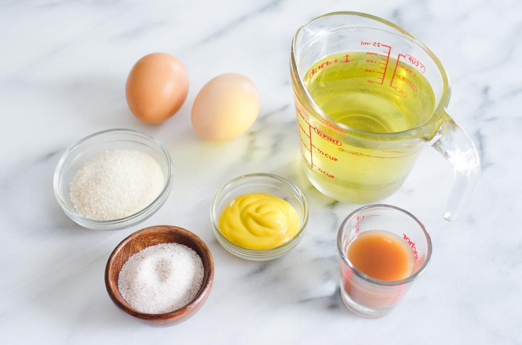 Ингредиенты для приготовления горчичного майонеза