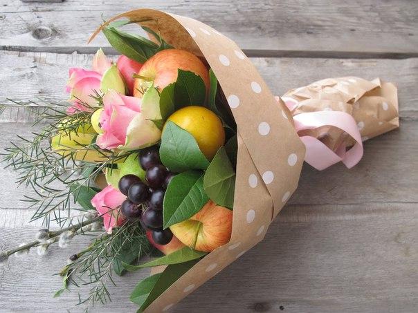 Нежный фруктовый букет