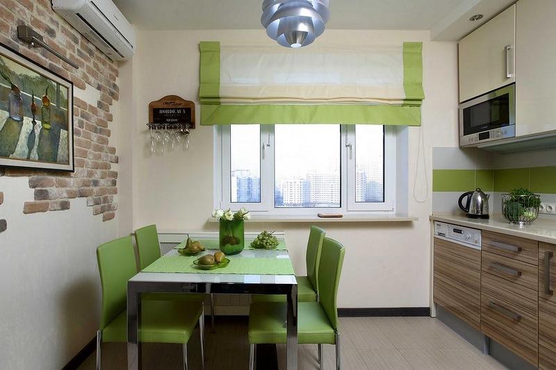 Воздушные римские шторы изумительно вписывающихся в интерьер кухни