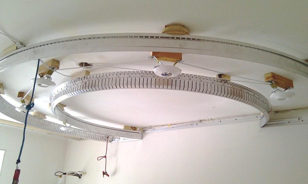 Монтаж профиля для многоуровневых натяжных потолков