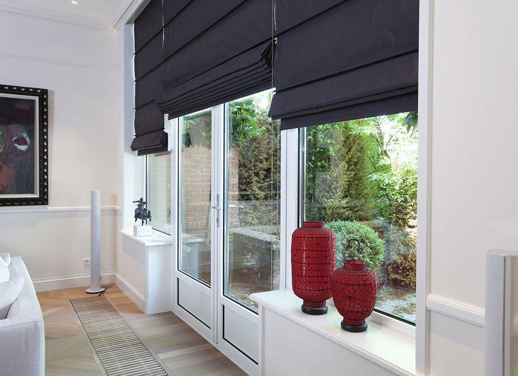 Отличный вариант для декорирования мансардных окон