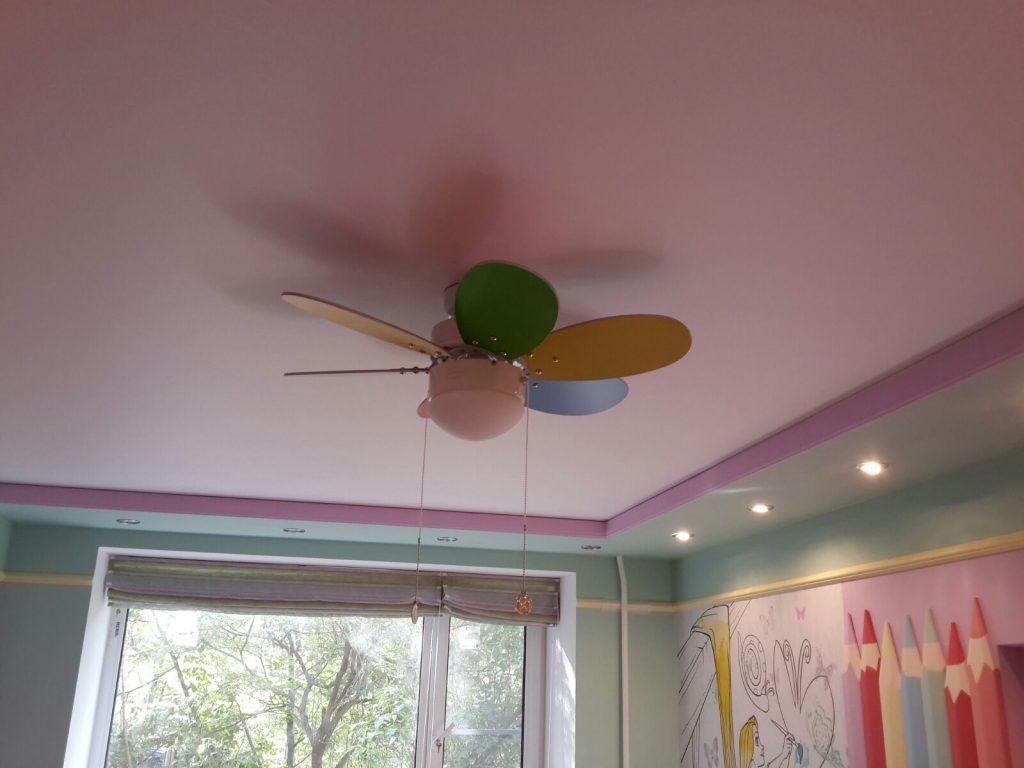 Тканевый натяжной потолок для детской комнаты