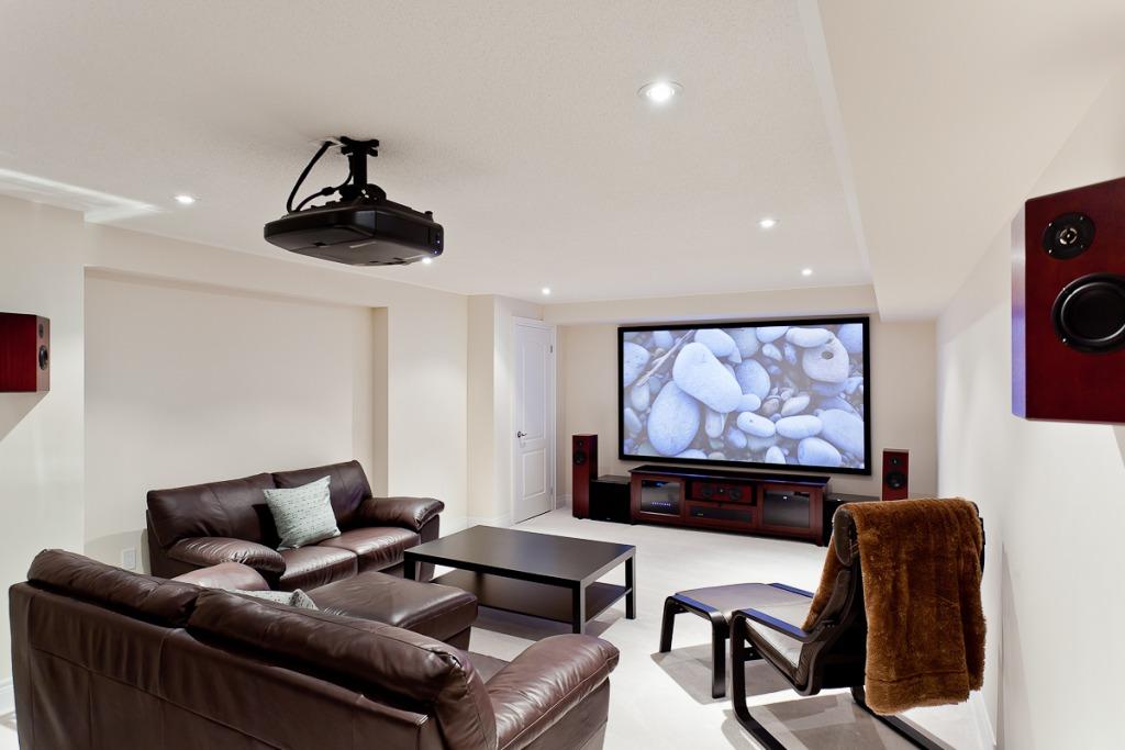 4К проектор для домашнего кинотеатра