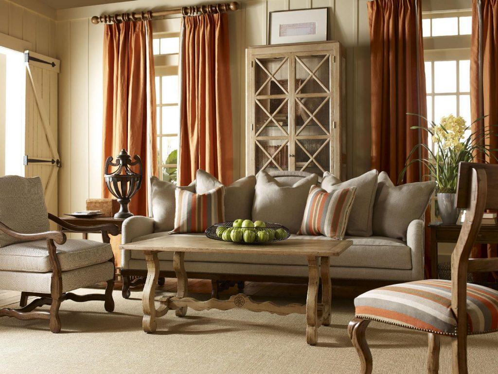 Мебель из натурального дерева для интерьера в стиле кантри