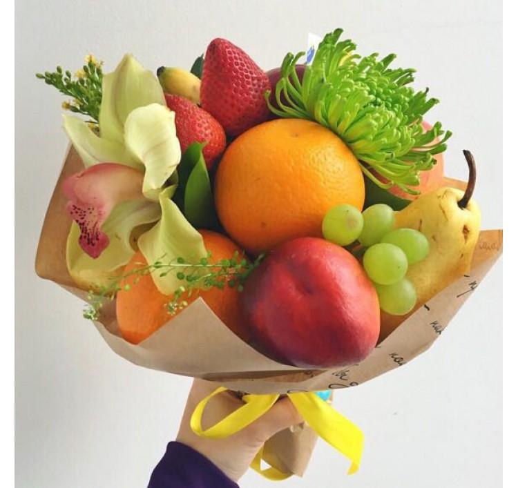 Украшение фруктового букета