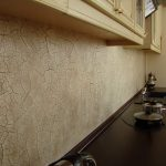 Фото 27: Кухонная зона оформленная декоративной штукатуркой