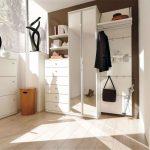 Фото 20: Белая мебель для прихожей