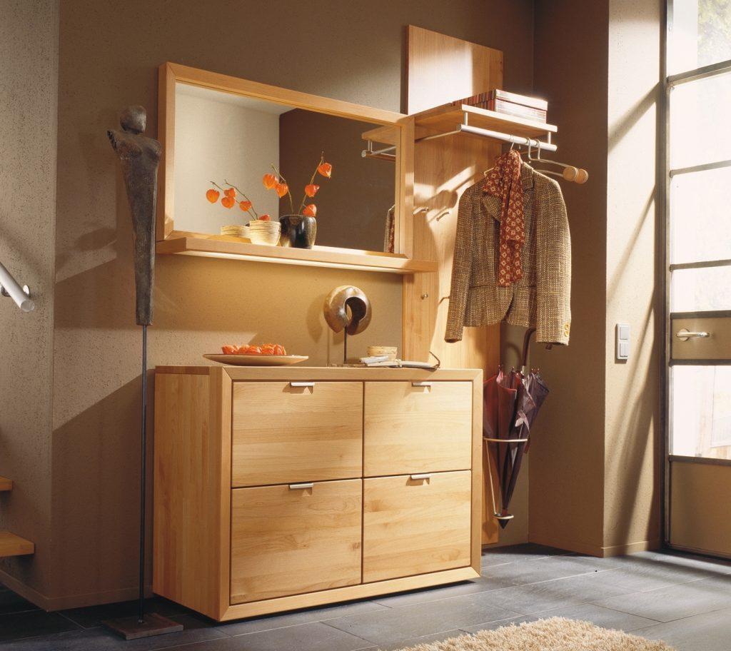 Мебель светлых тонов для прихожей