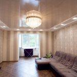 Фото 80: Оформление интерьера гостиной натяжным потолком