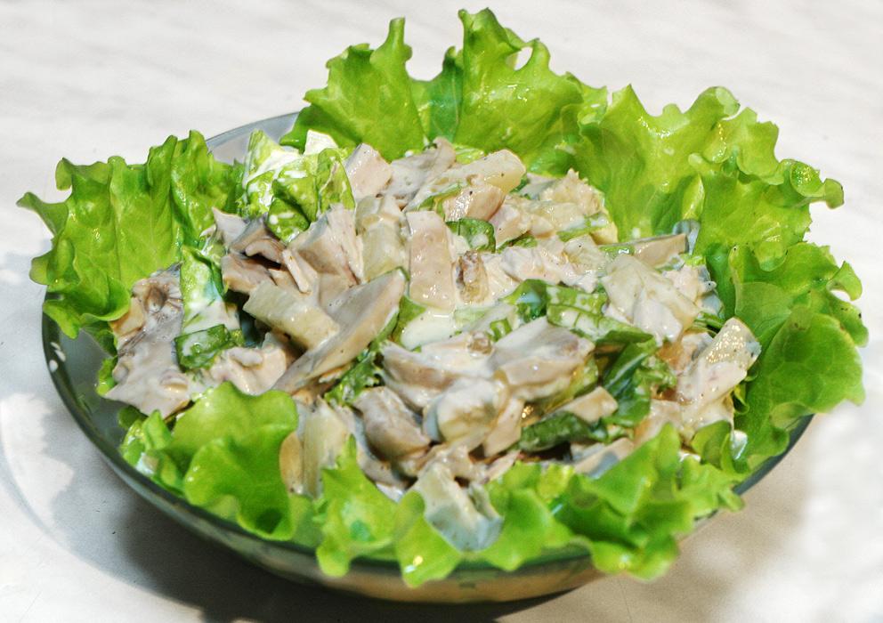 Салат с курицей и кефиром