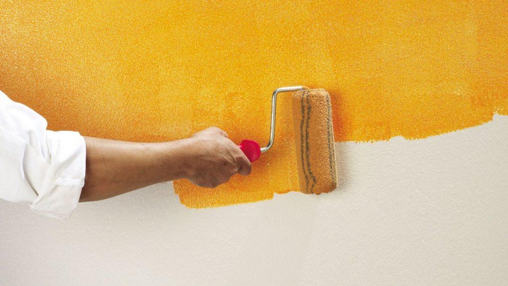 Как ложится на стены водоэмульсионная краска
