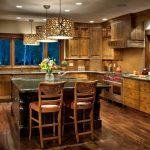 Фото 35: Массивная мебель для кухни