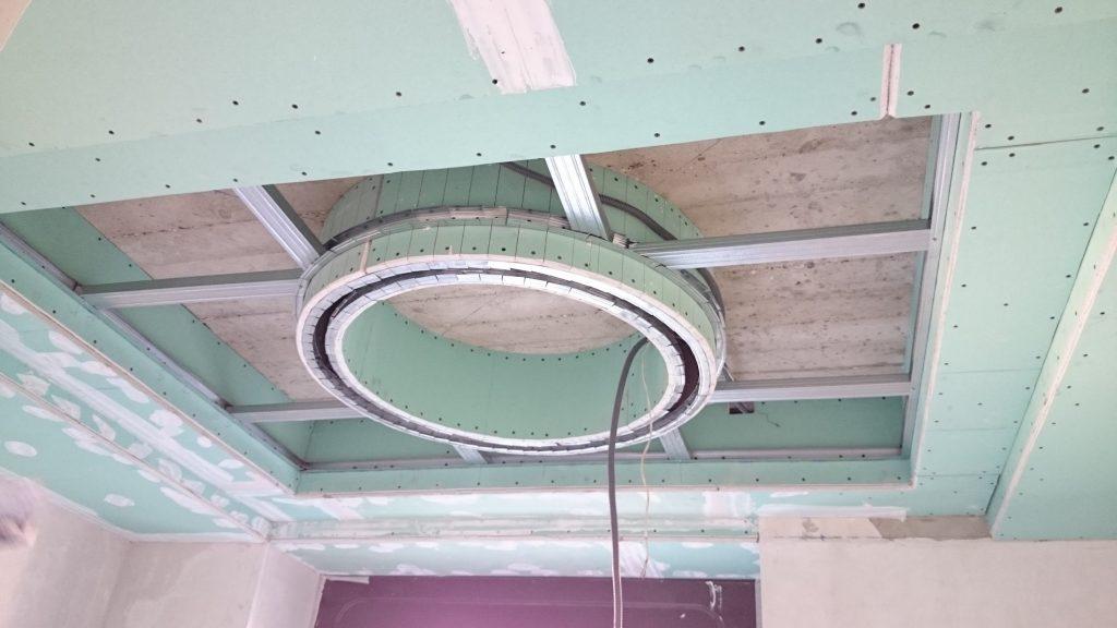 Установка двухуровневого потолка из гипсокартона