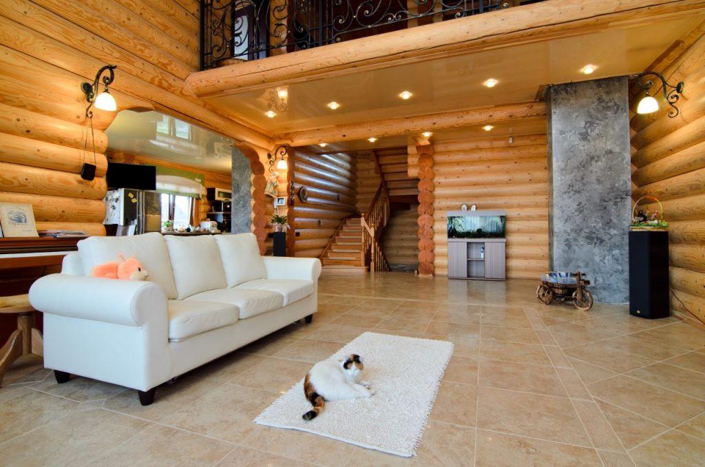 Как выглядит деревянный дом изнутри