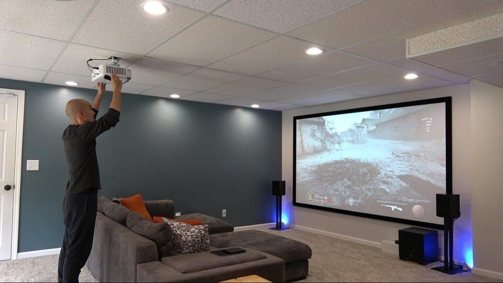 Установка лазерного проектора для домашнего кинотеатра