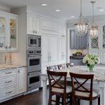 Фото 60: Белая мебель для кухни