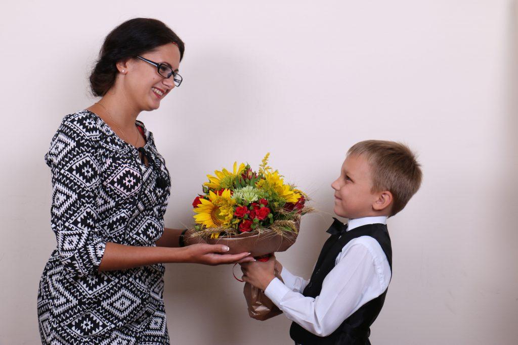 Выбор платья для учителя в День знаний