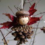 Фото 102: Ангел из шишек и листьев