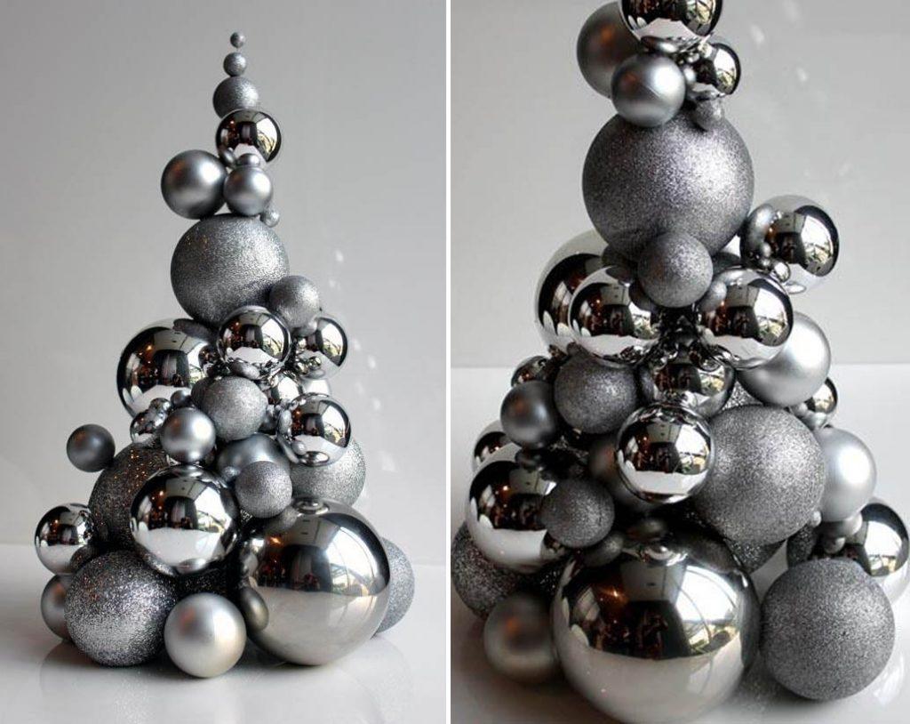 Елочка из новогодних шаров