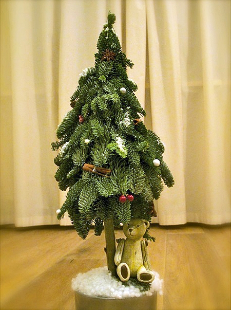Топиарий из живой елки