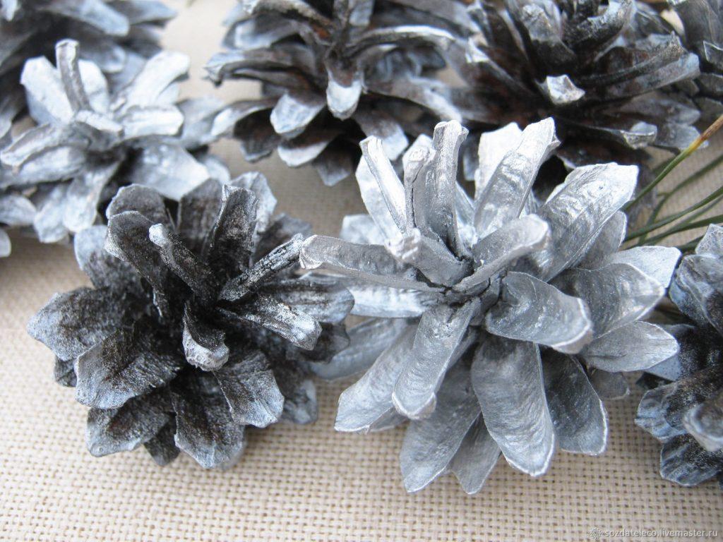 Серебряные шишки