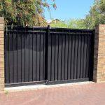 Фото 32: Ворота чёрные