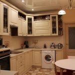 Фото 55: Кухня классическая светлых тонов
