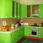 Фото 71: Светло зелёная кухня