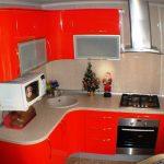 Фото 73: Угловая кухня красного цвета