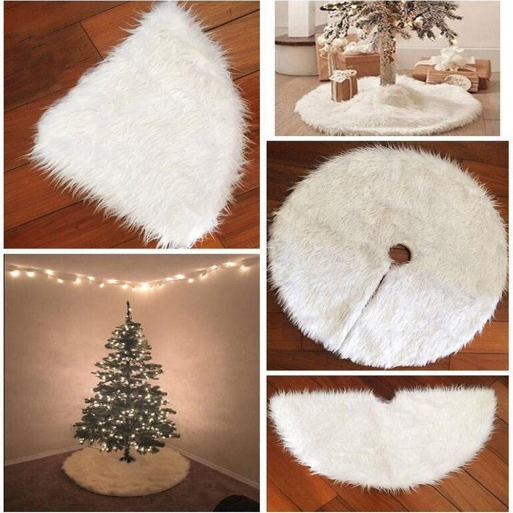 Новогодний меховой белый коврик под елку
