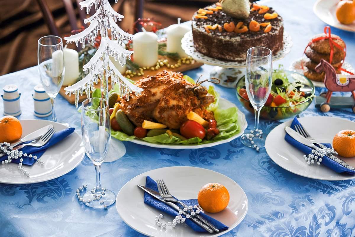 Новогодняя сервировка стола своими руками