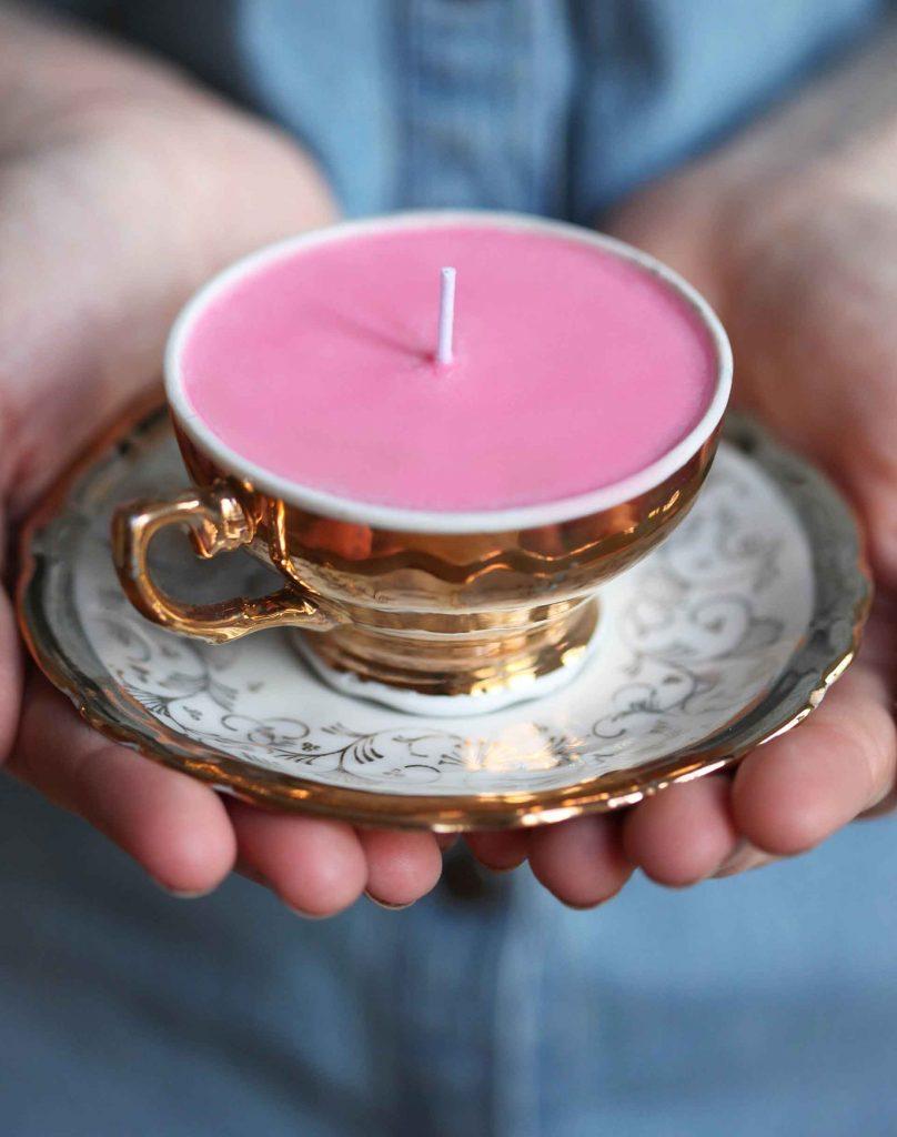 Свечка в чаше в подарок на Новый Год