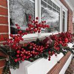 Фото 46: Новогоднее украшение окна снаружи