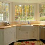 Фото 38: Кухня с окном эркер