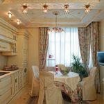 Фото 7: Кухня со шторами