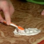 Фото 49: Чистка ковра зубной пастой