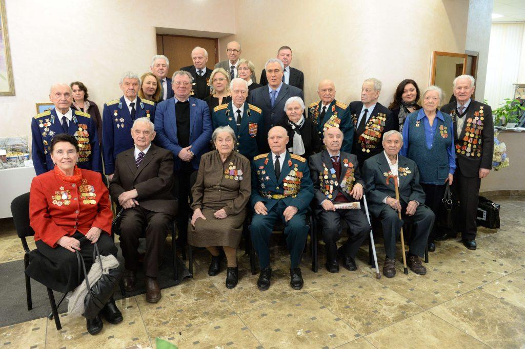 Ветераны поздравление