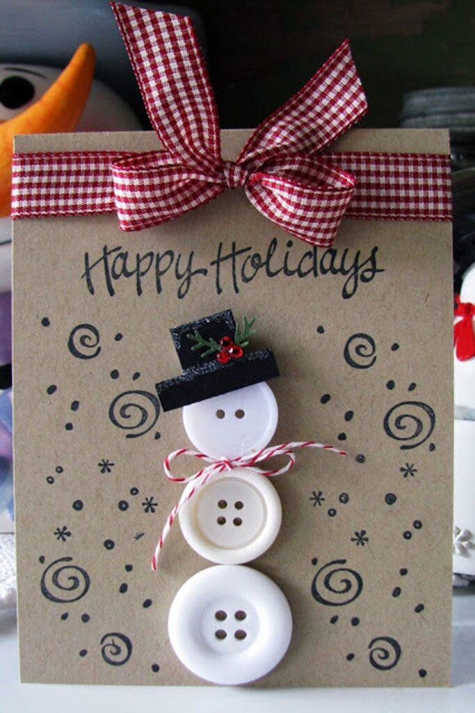 Новогодняя открытка со снеговиком из пуговиц