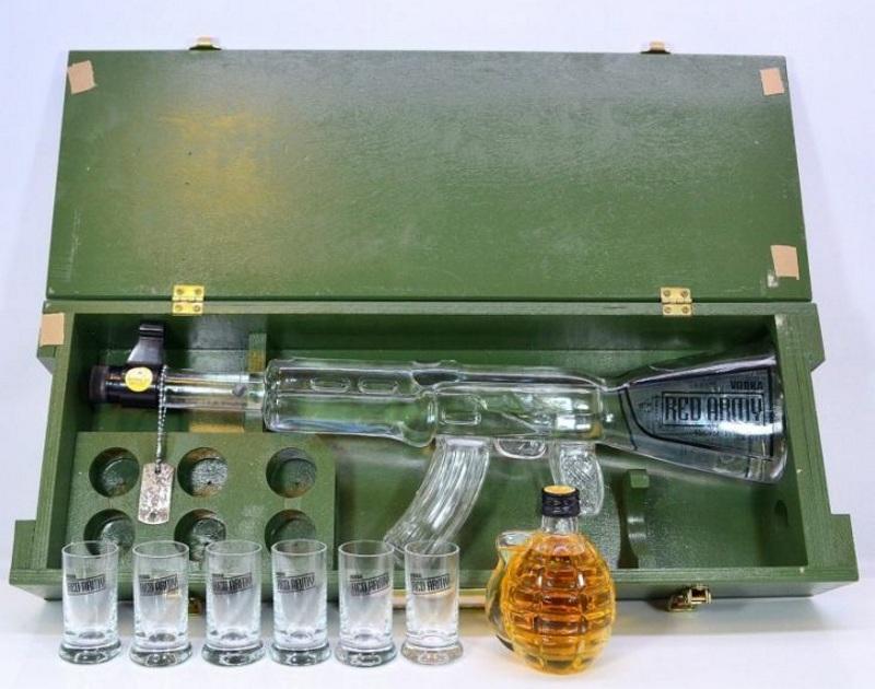 Подарочный алкоголь на 23 февраля с рюмками
